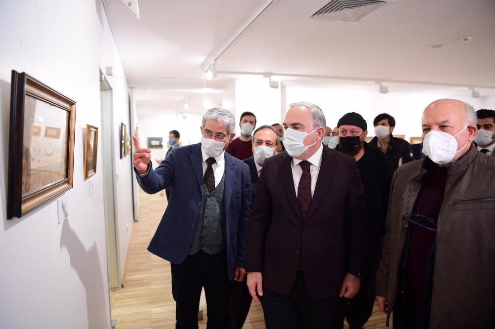 Hat sanatının zarif kalemi Ali Alparslan'ın ilk şahsi sergisi Fatih'te açıldı