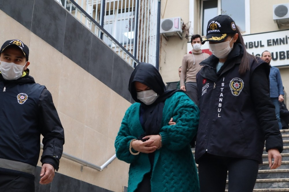 Çatalca'da boş arazide ölü bulunan kadının katil zanlısı yakalandı
