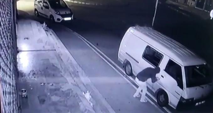 Pendik'te kamyonet hırsızlığı teşebbüsü kamerada