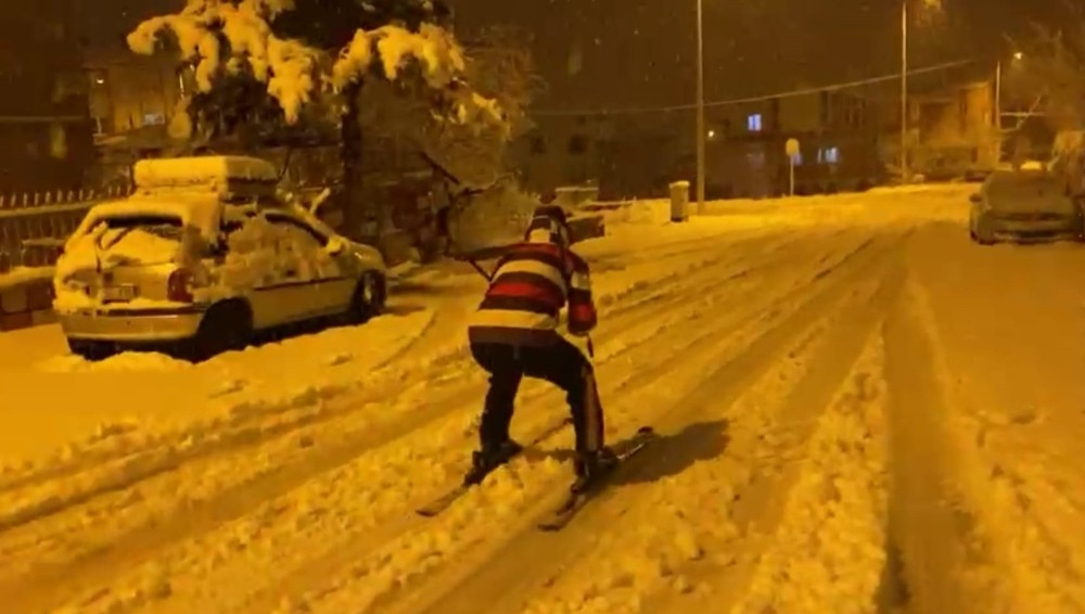 Özel Sokakta kayak keyfi