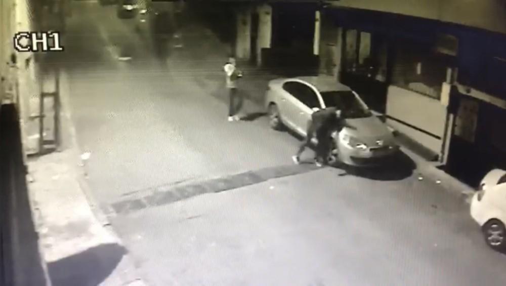 ÖzelYılbaşı gecesi vatandaşları şoke eden bıçaklı saldırı kamerada