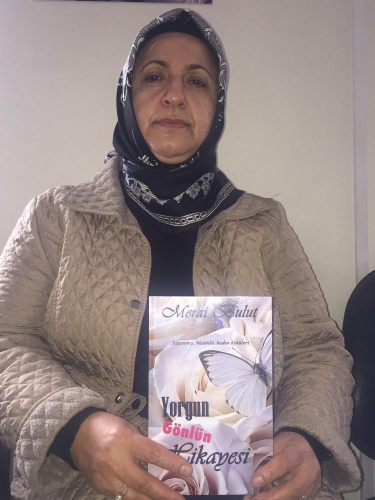 50 yaşındaki ev hanımı Meral Bulut ilk kitabını çıkardı