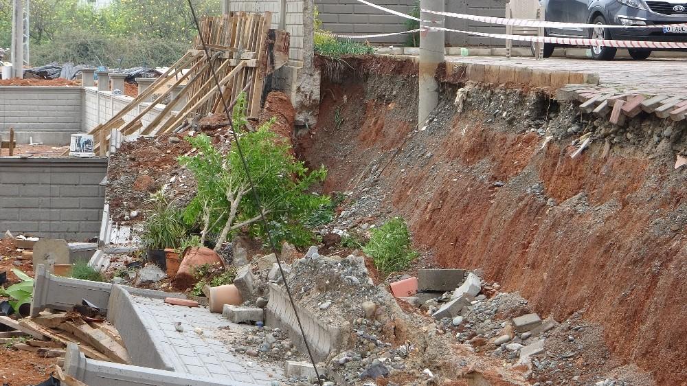 Şiddetli yağışın bıraktığı hasar gün ağarınca ortaya çıktı