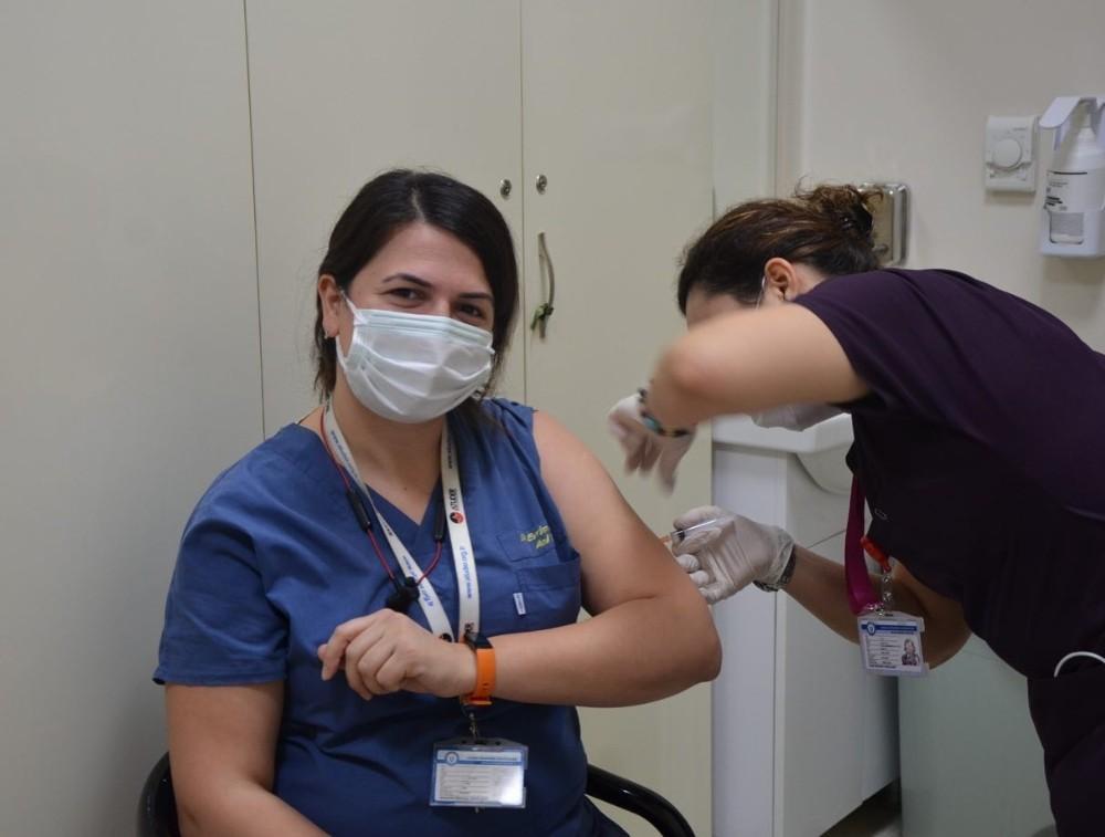 ADÜ'de Kovid-19 aşısı yapılmaya başlandı