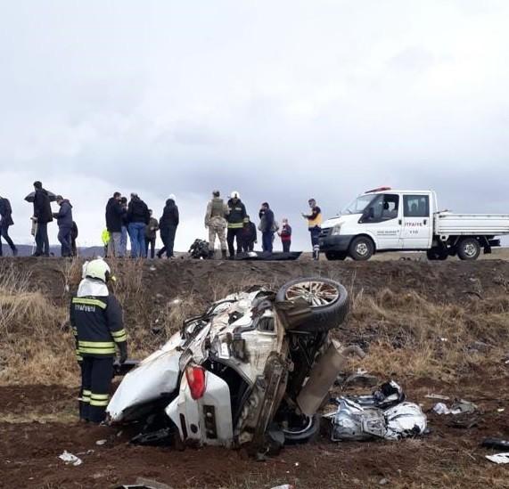 Bingöl'de trafik kazası: 1 ölü, 2 yaralı