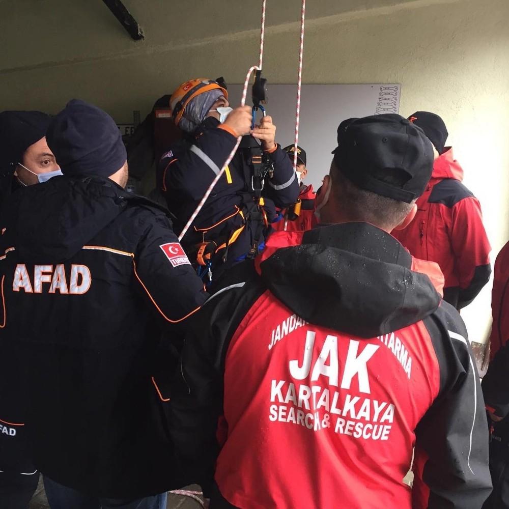 AFAD ve JAK ekiplerinden Kartalkaya'da ortak eğitim