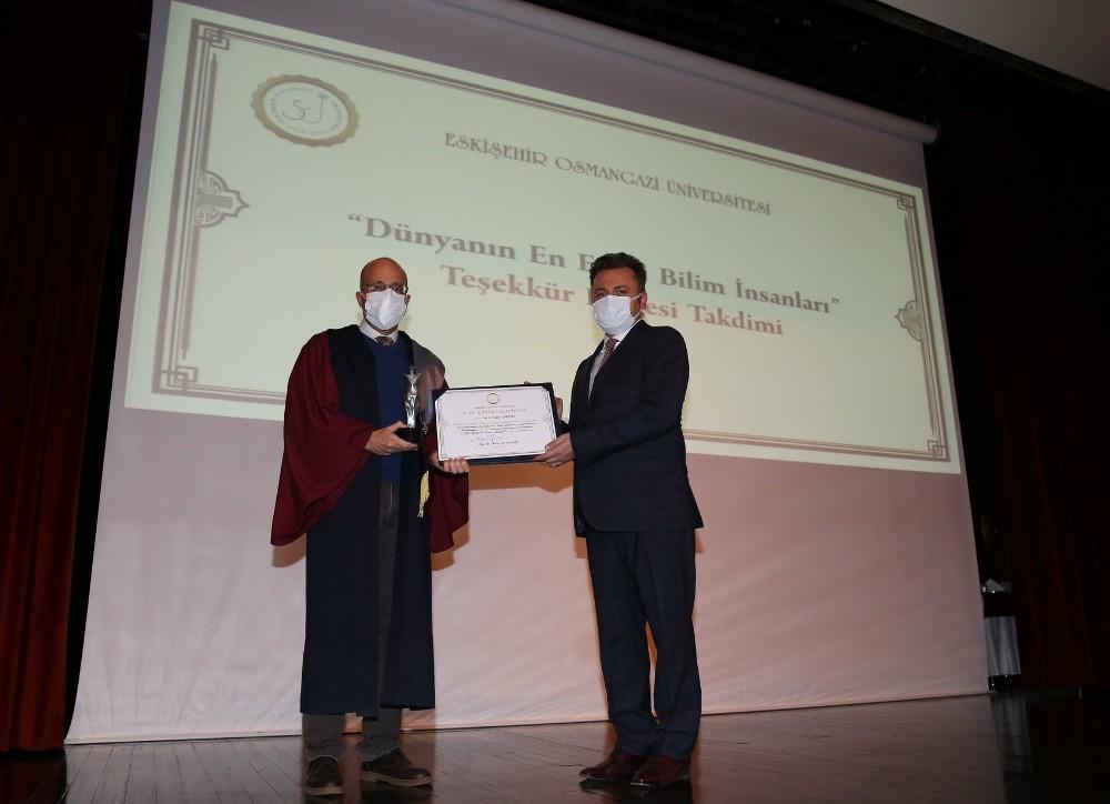 ESOGÜ'de 50'nci yıla özel başarı belgeleri takdim töreni