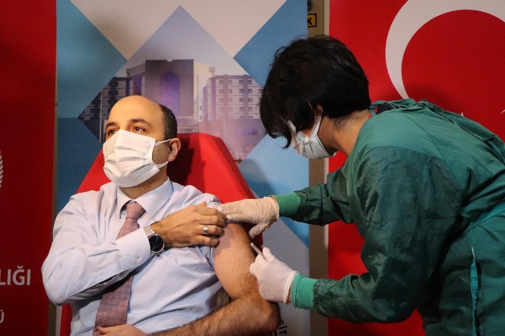 Samsun'da ilk Covid-19 aşıları yapılmaya başlandı