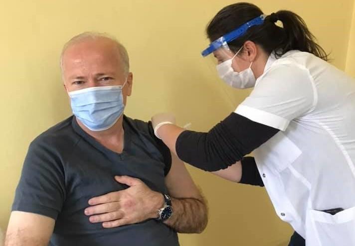 Aydın Eczacı Odası Başkanı Karaarslan; Aşı olsak da kurallara riayet etmeliyiz