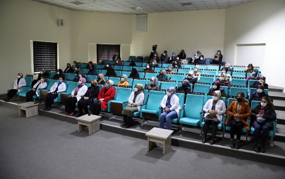 Van Büyükşehir Belediyesinden kadınlara seminer