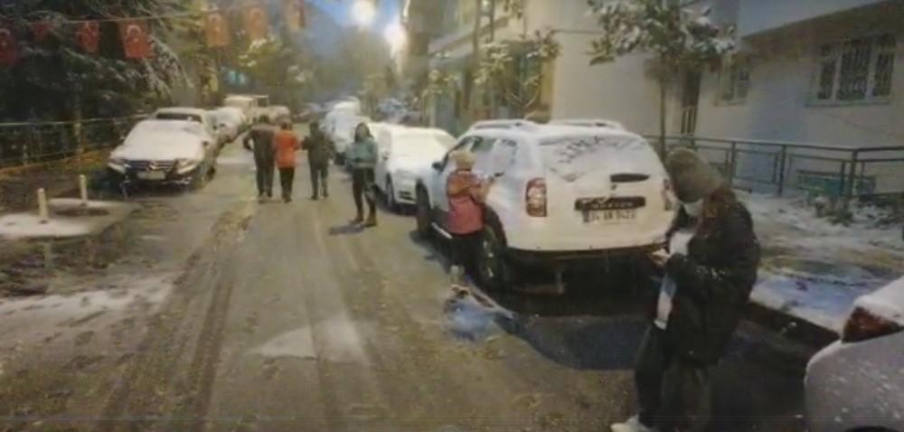 Alibeyköy'de vatandaşlar karın tadını çıkardı