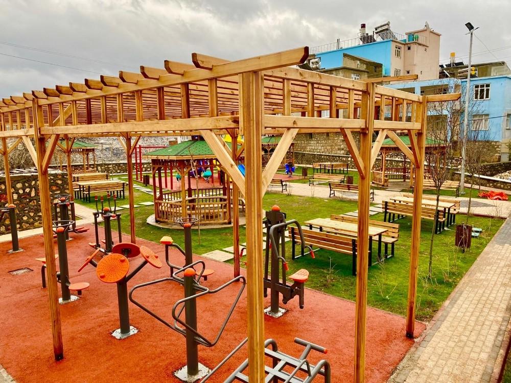Eğil'de aile parkı hizmete açıldı