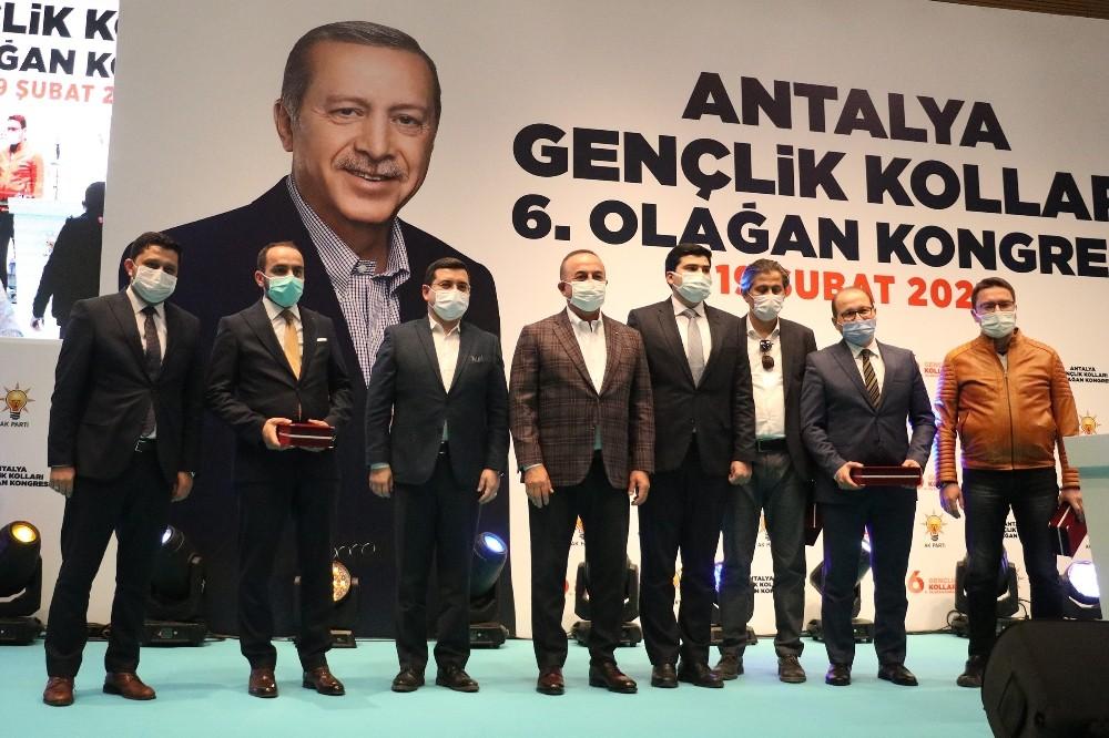 Dışişleri Bakanı Çavuşoğlu: Bugün biz oyun kuruyoruz