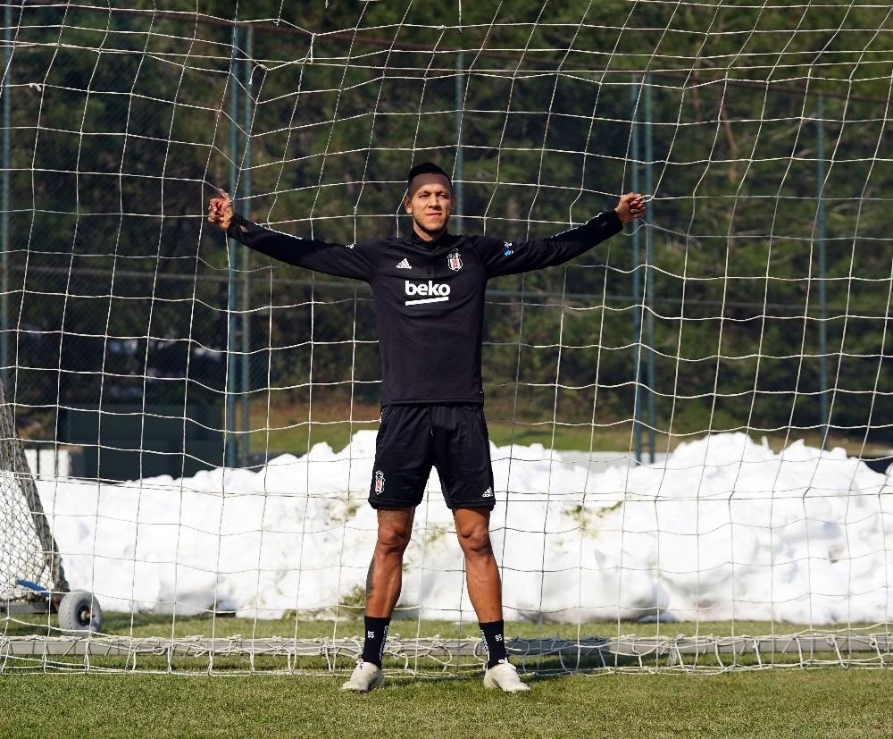 """Josef de Souza: """"Futbol saha içinde kalırsa, şampiyon oluruz"""""""