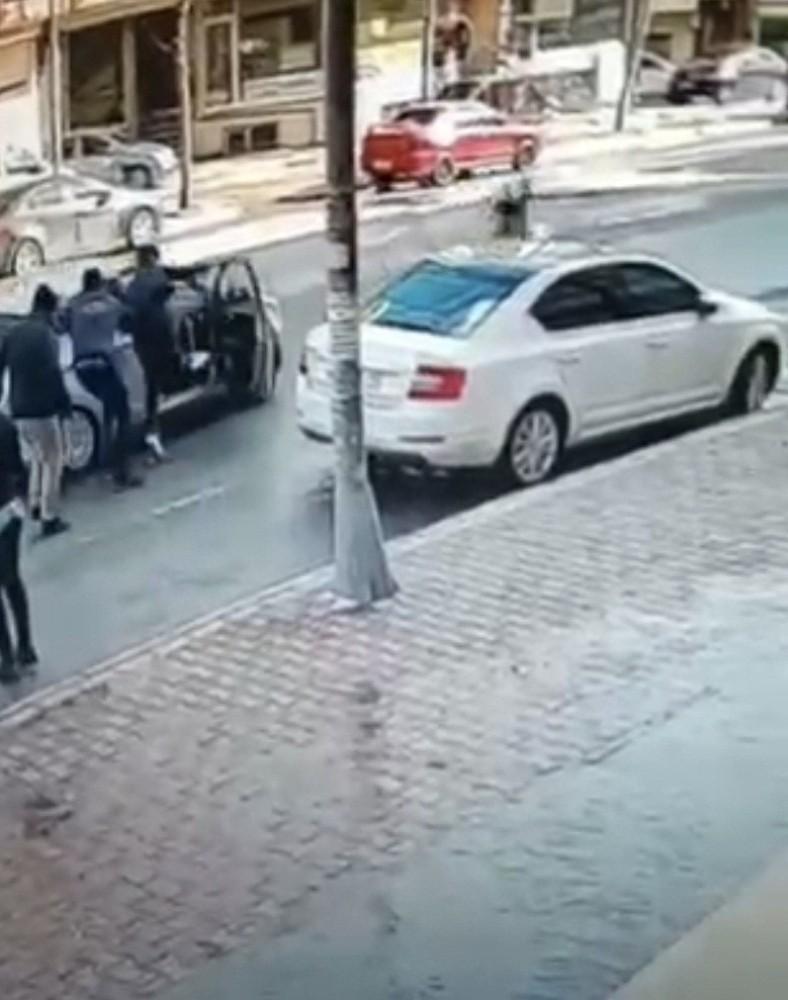 Özel Kasiyer, kaçmaya çalışan hırsızları böyle kovaladı
