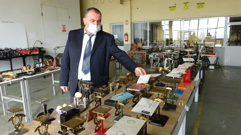Delikli kuruşla başladı, bin 500 parçalık koleksiyonun sahibi oldu
