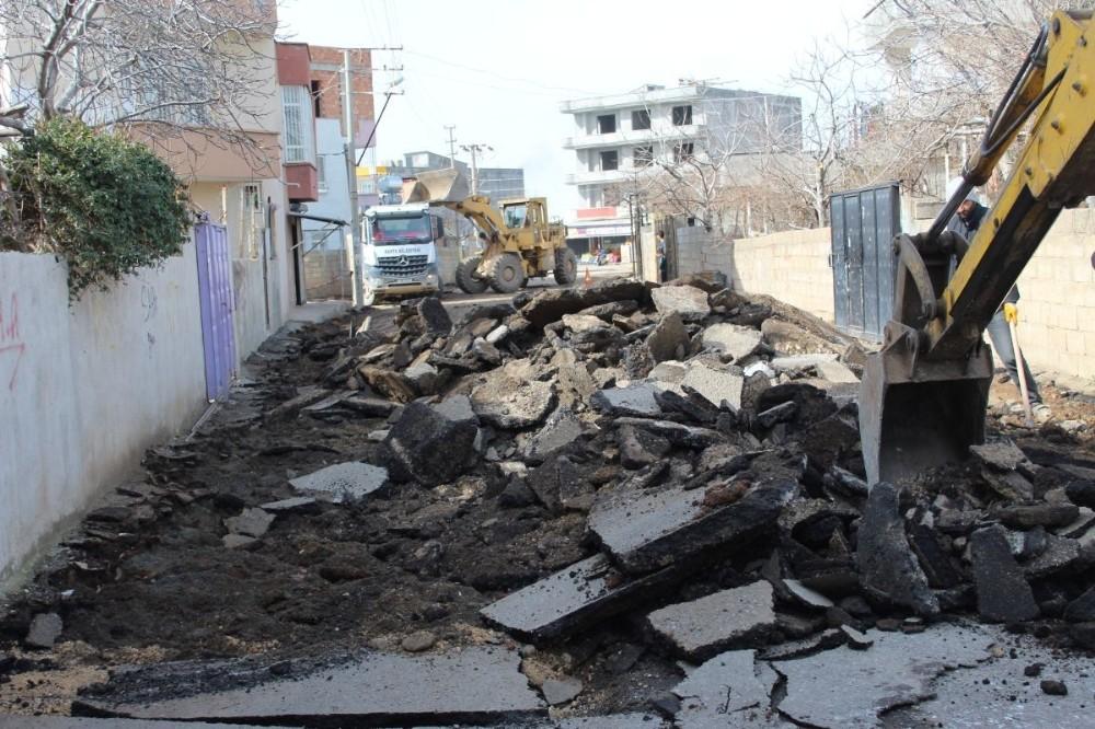 Kahta'da cadde ve sokaklar yenileniyor