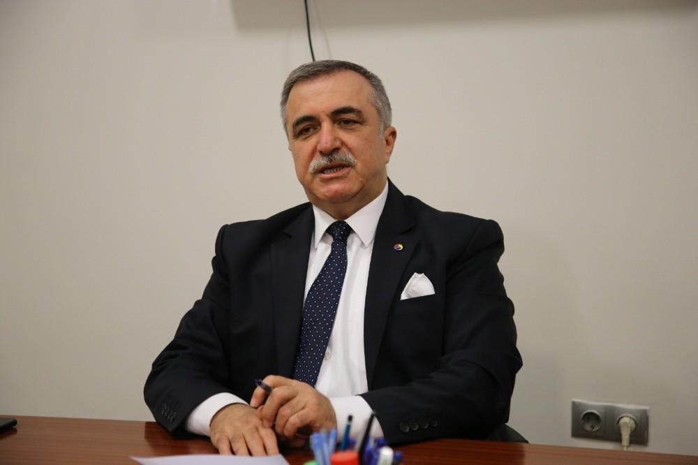 Özlem Zengin'e memleketi Tokat'tan destek