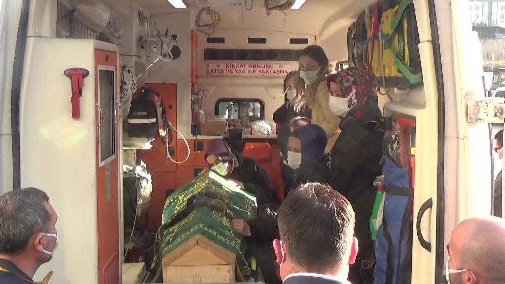 Korona virüsten vefat eden 112 çalışanı gözyaşları içinde son yolcuğuna uğurlandı