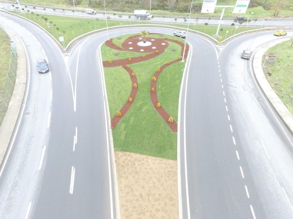 Yeşil alan düzenlemeleriyle Küçükçekmece'nin çehresi değişiyor