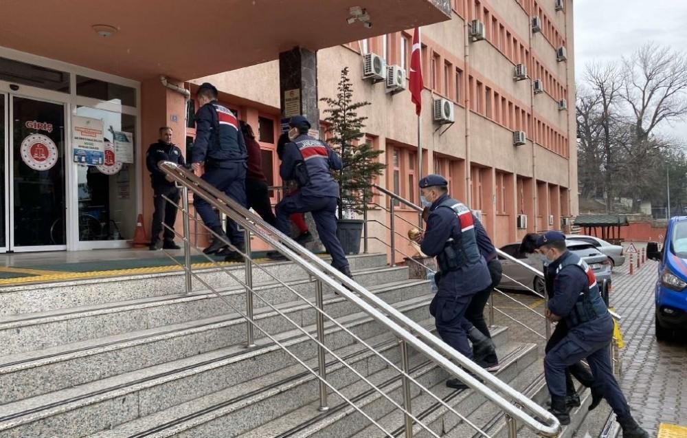 Engelli vatandaşın evini soyan zanlılar tutuklandı