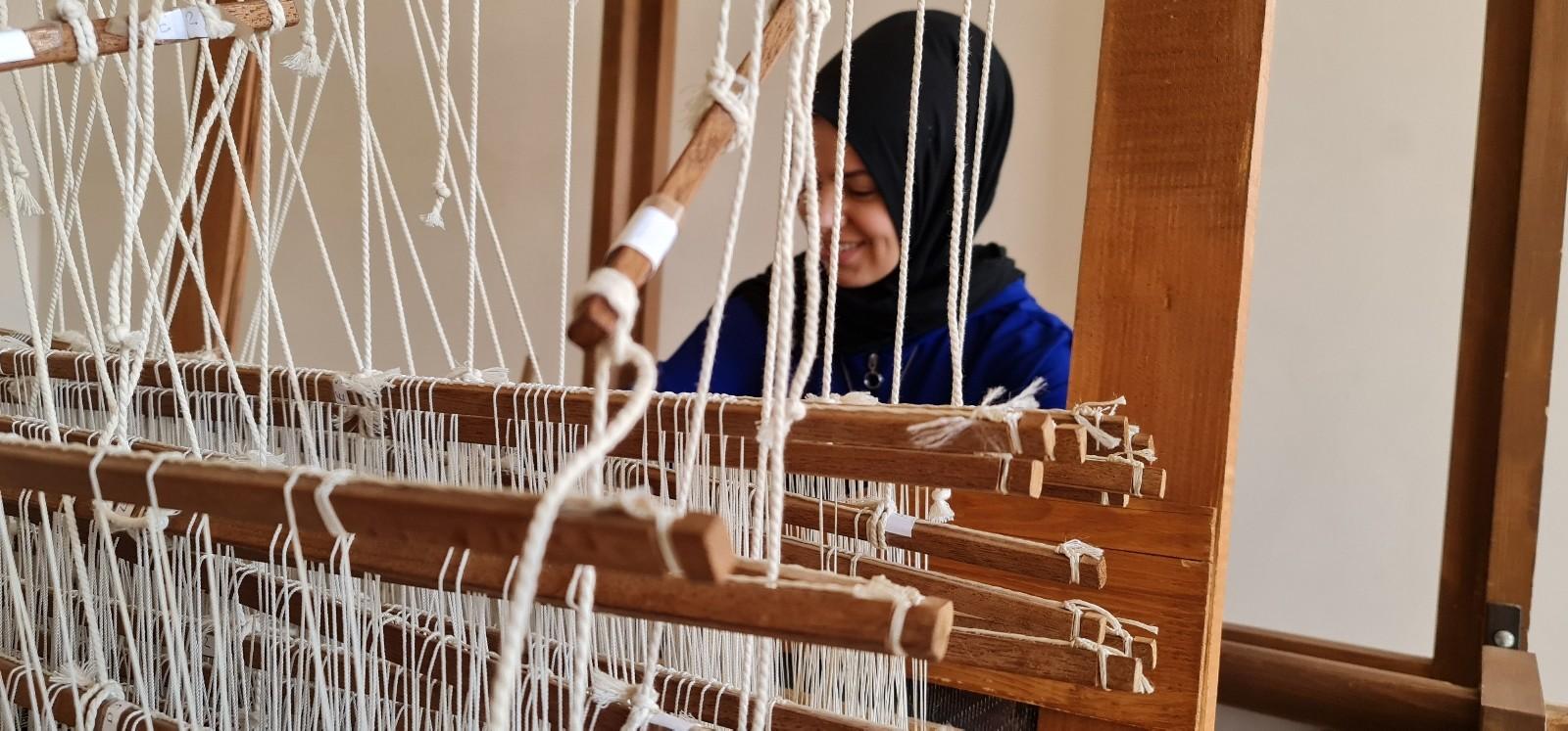 500 yıllık geçmişe sahip Tire Beledi dokuması modaya uyarlanıyor