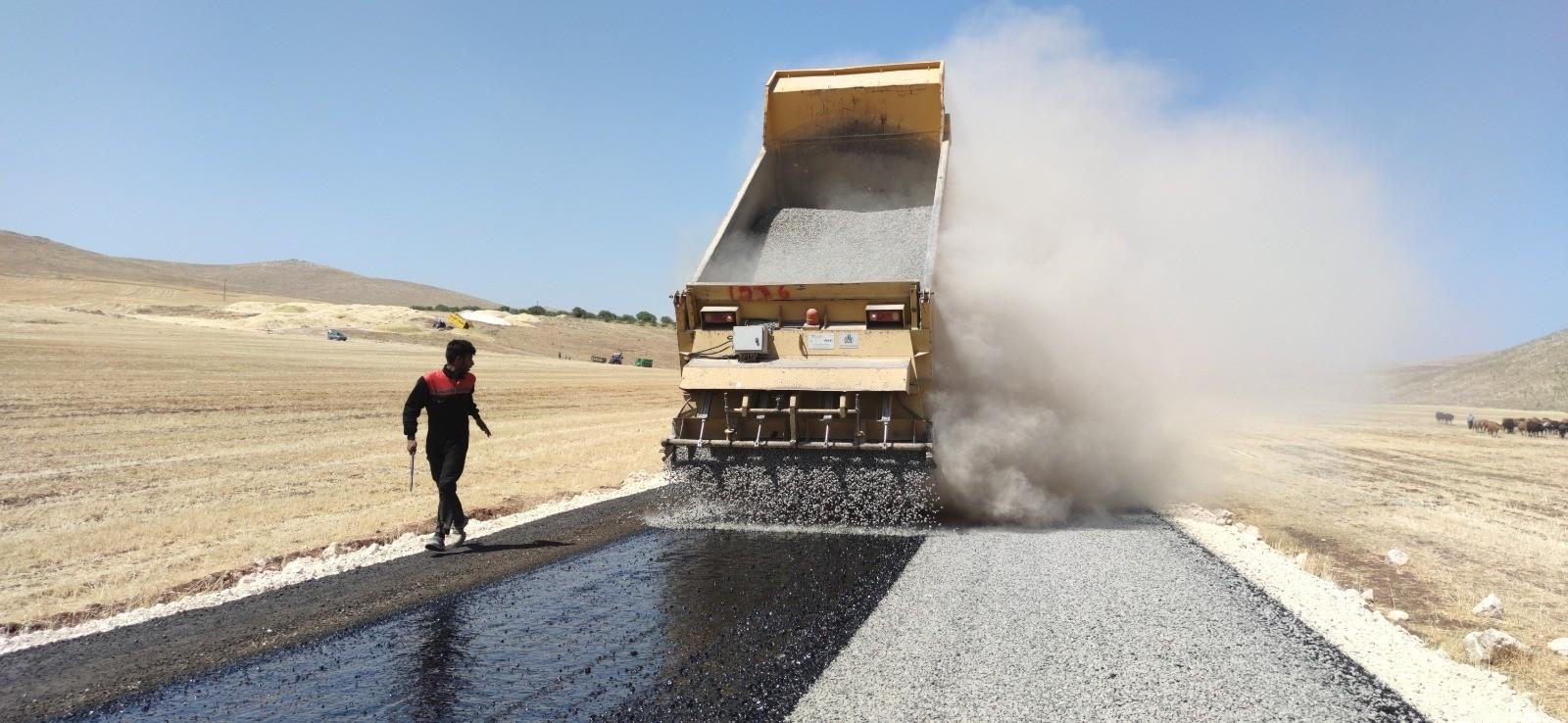 Haliliye ve Eyyübiye kırsalında asfalt atağı