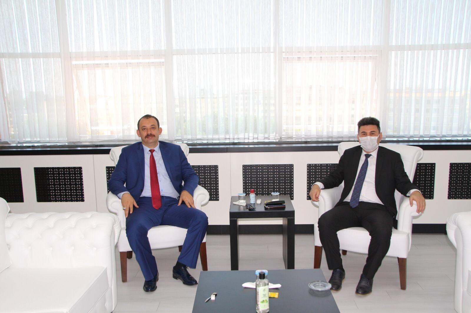 Başsavcı Durmuş'dan Rektör Karacoşkun'a veda ziyareti