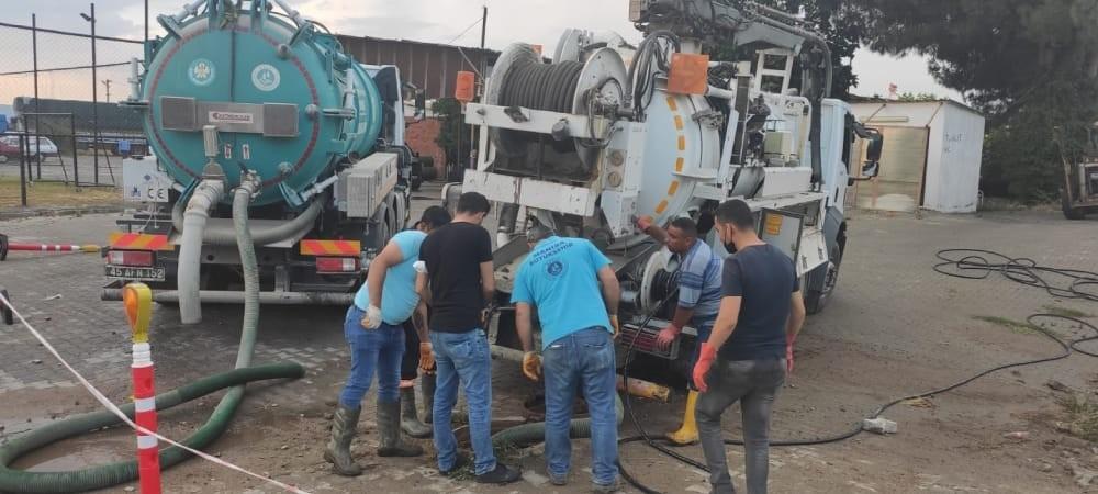Büyükşehir Belediyesi ve MASKİ, Akçapınar'a anında müdahale etti