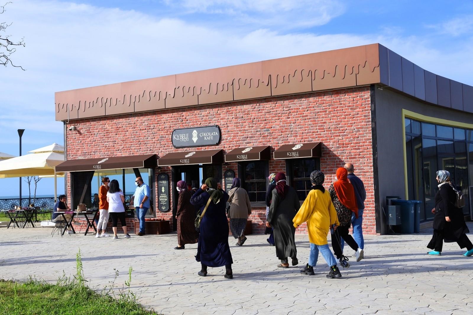 Tatilcilerin Ordu'daki uğrak noktası: 'Çikolata Kafe'