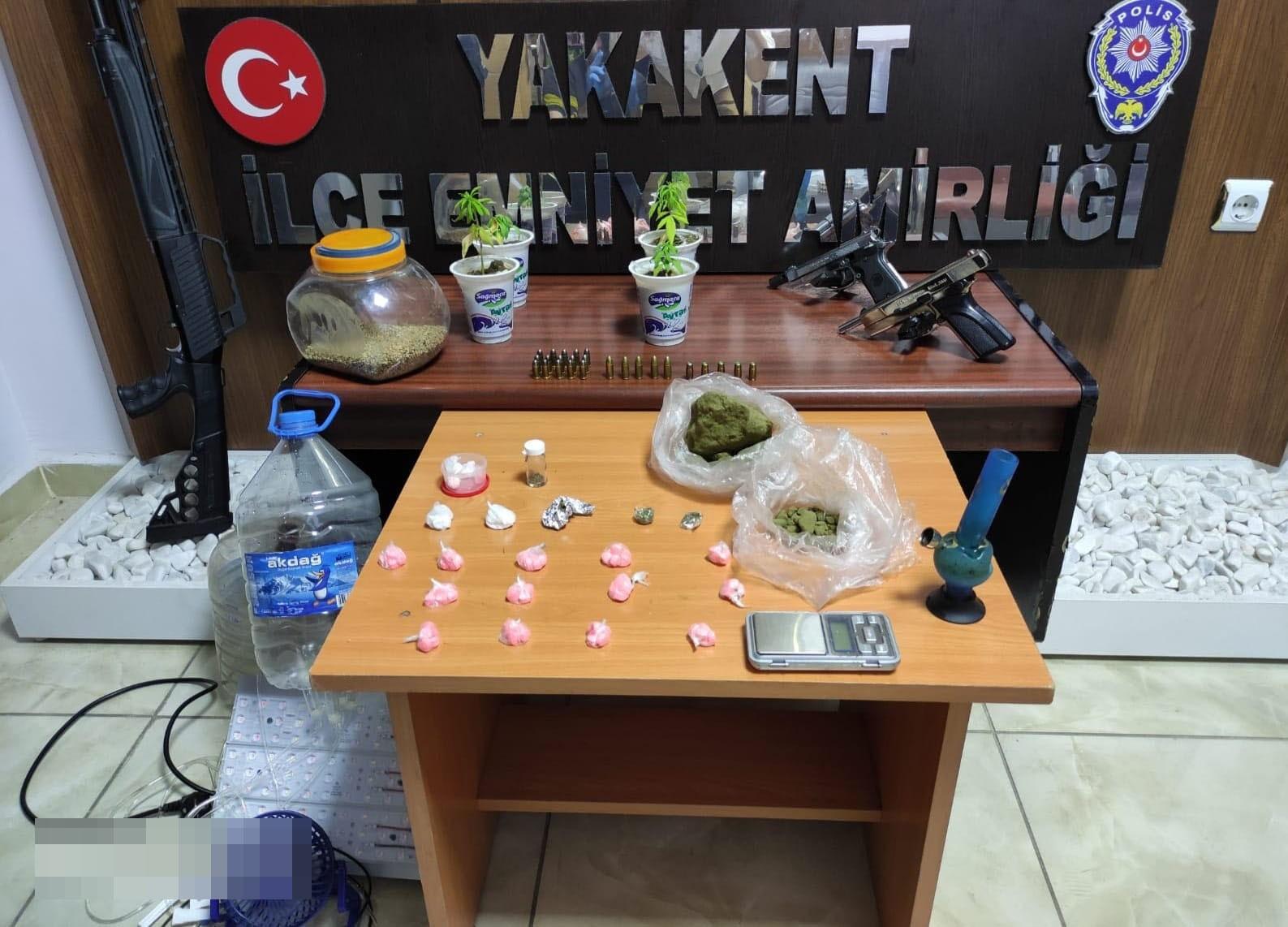 Samsun'da uyuşturucu ve silah ele geçirildi