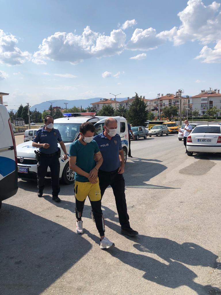 Burdur'da sağlık çalışanlarını darp eden 3 kişiden 1'i tutuklandı
