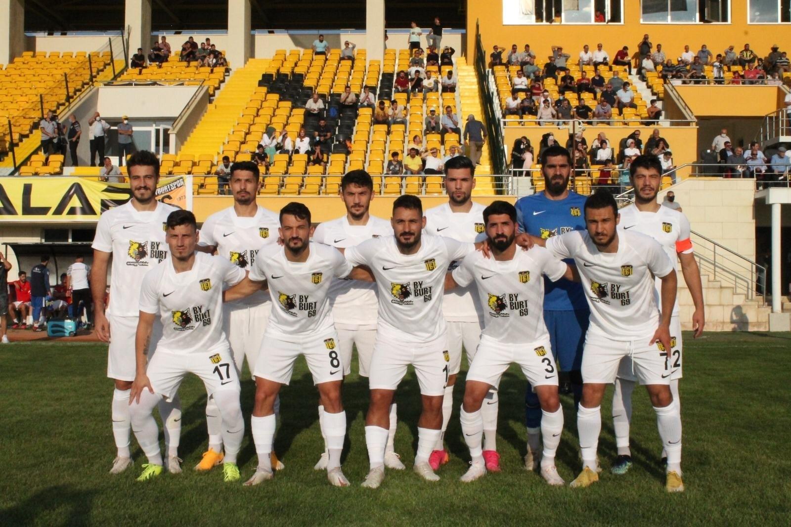 AN Zentrum Bayburtspor, hazırlık maçında Gümüşhanespor'u 3-0 mağlup etti