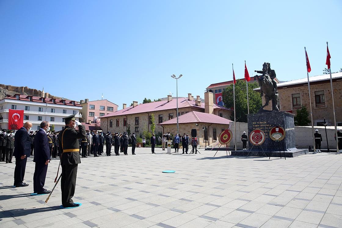 Bayburt'ta 30 Ağustos Zaferi'nin 99'uncu yıl dönümü kutlandı