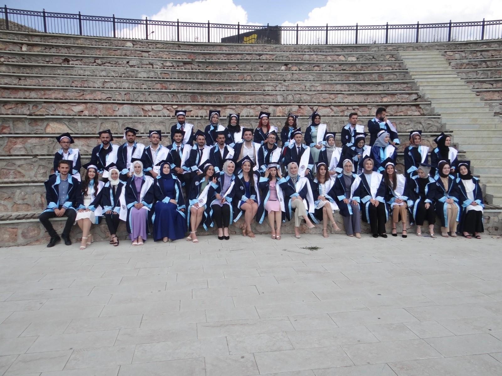 Rehberlik ve Psikolojik Danışmanlık mezunları, öğrenciler tarafından düzenlenen törenle uğurlandı