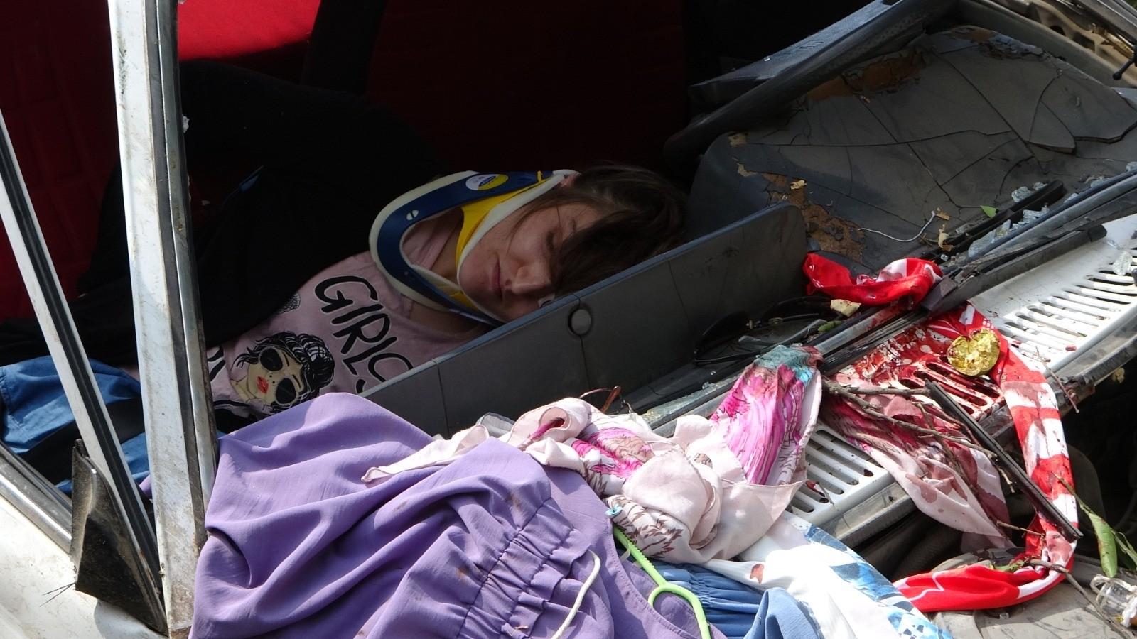 ÖZEL) Kamyondan fırlayan lastik kaplaması faciaya sebep oluyordu - Antalya  Haberleri