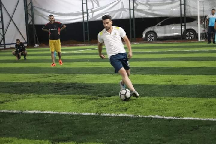 Çukurca Belediyesinin yaptığı halı saha da ilk maç yapıldı
