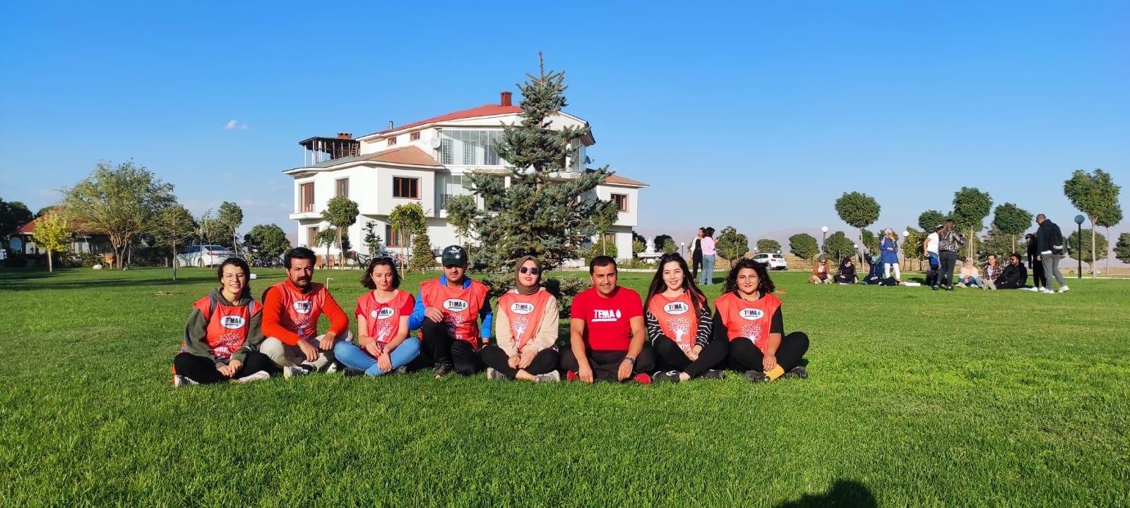 TEMA gönülleri Karlı köyünde bir araya geldi #hakkari
