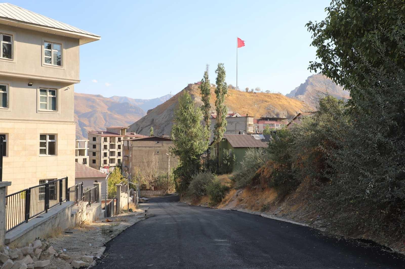 Hakkari Belediyesinden yol asfaltlama çalışması #hakkari