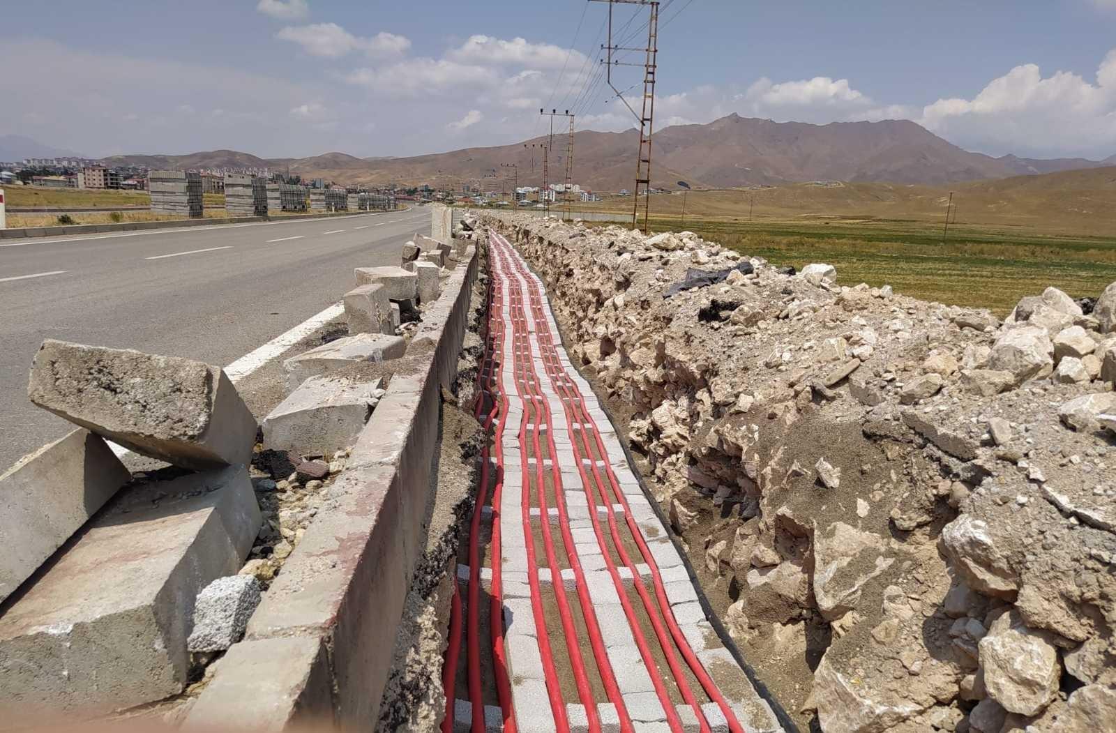 VEDAŞ'tan Yüksekova ilçesine 4,5 milyon liralık yeni dağıtım merkezi #hakkari