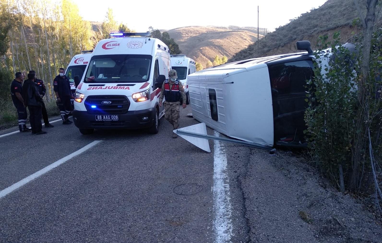 Bayburt'ta trafik kazası: 7 yaralı #bayburt