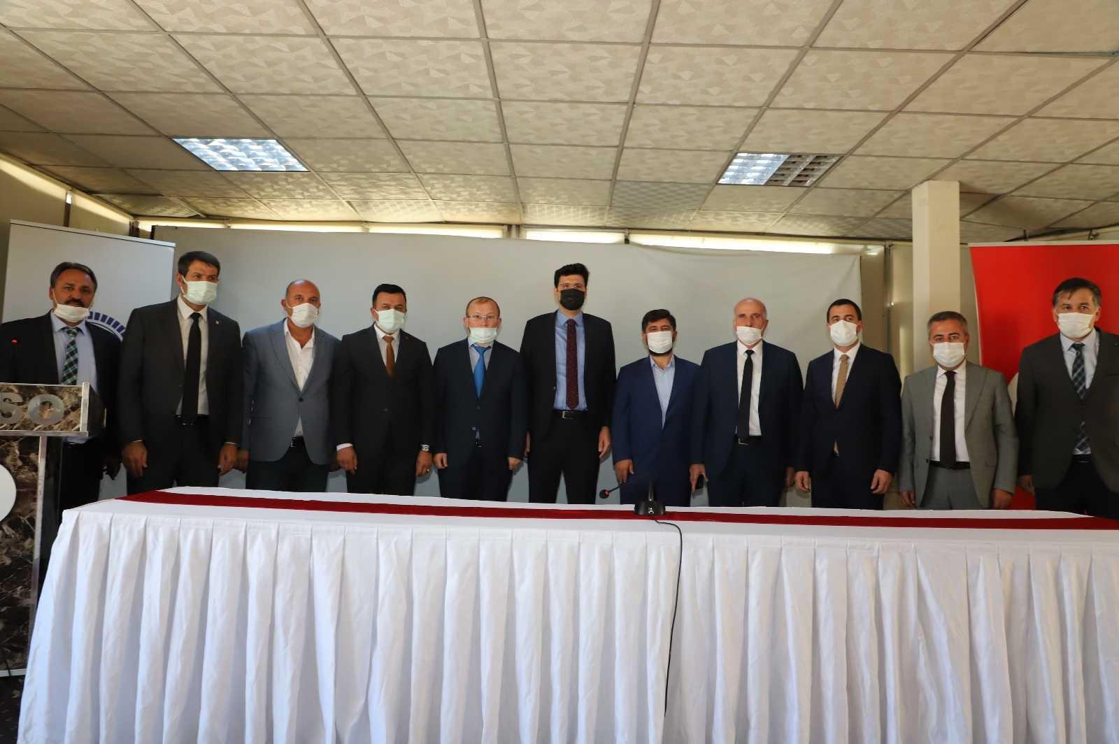 """Hakkâri'de """"İslam'da Ticaret Ahlakı ve Helal kazanç"""" konulu konferans #hakkari"""