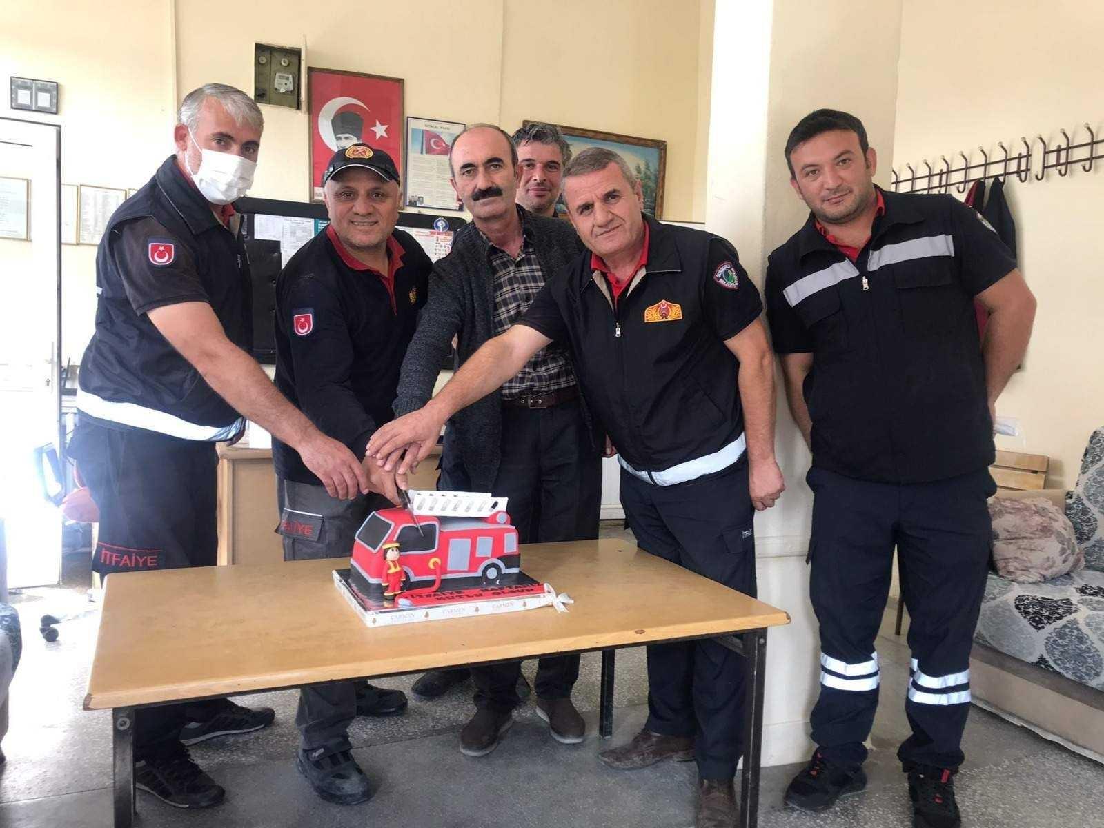İtfaiyecilere pastalı kutlama #corum