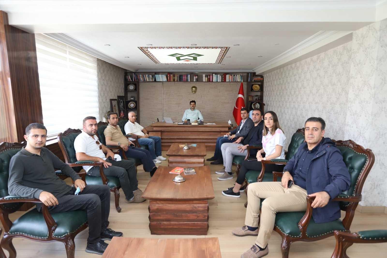 Vanlı iş adamlarından Çukurca'ya ziyaret #hakkari