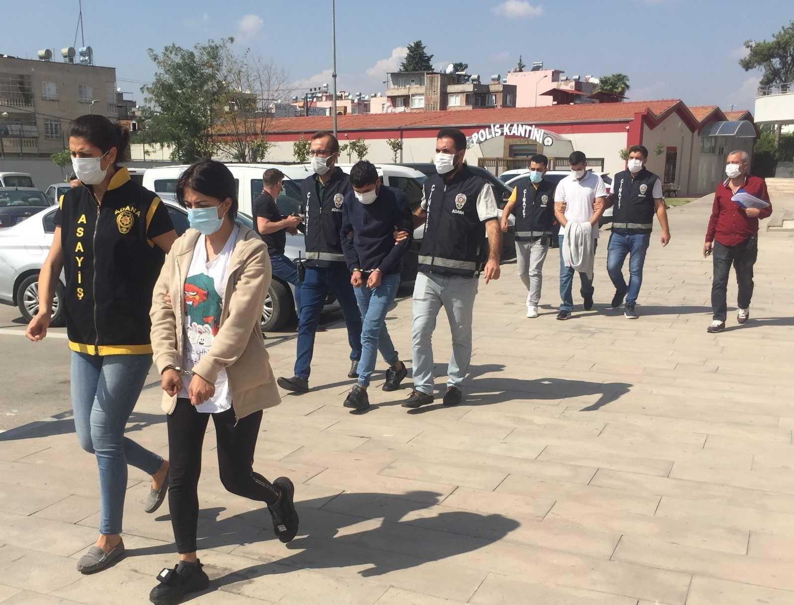 Eskort sitesine ilan verip sevgilisiyle gasp yaptı - Adana Haberleri