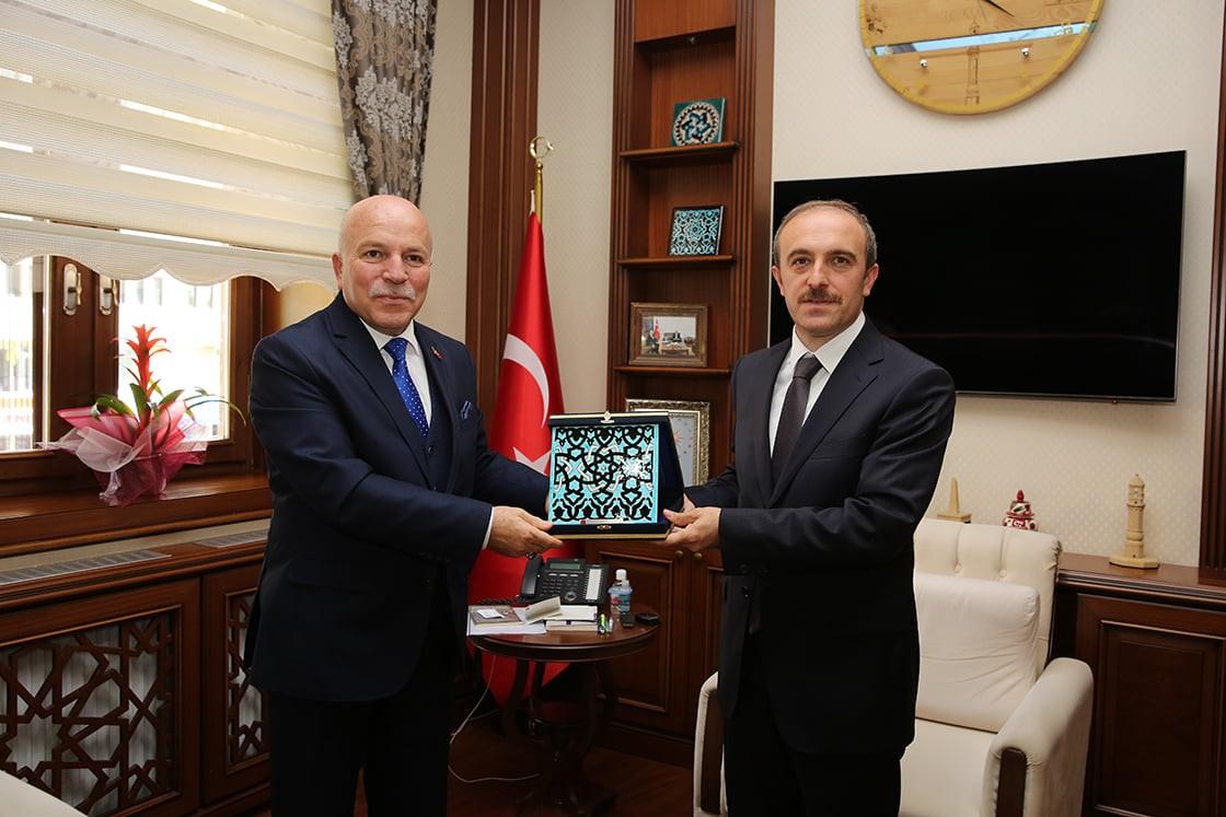Başkan Sekmen, Vali Cüneyt Epcim'i ziyaret etti #bayburt