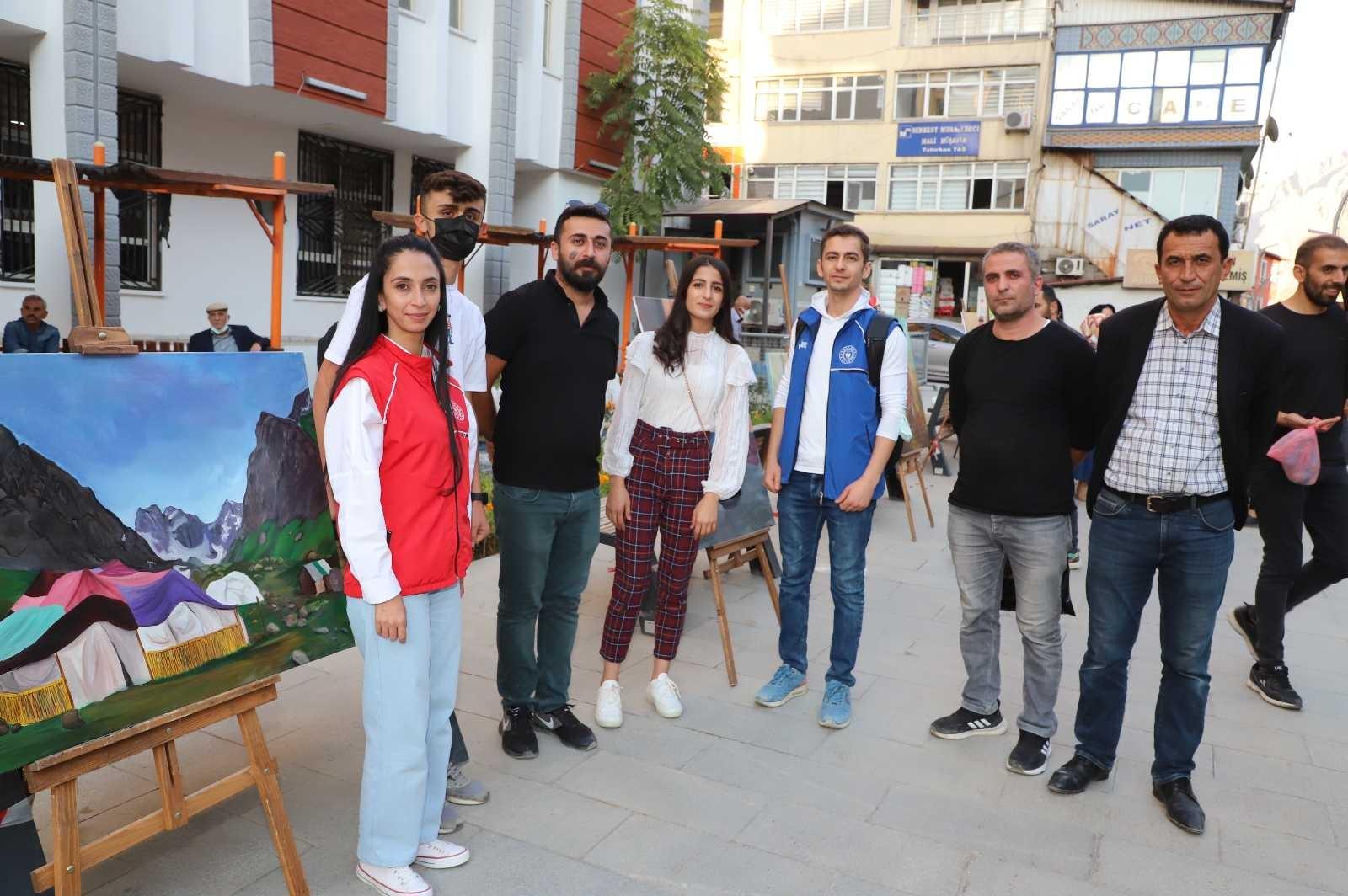 Hakkarili gençlerin yağlı boya resimleri beğeni topladı #hakkari