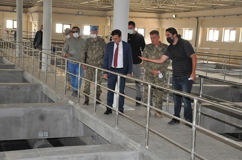 Kaymakam Özdemir içme suyu arıtma tesisinde incelemelerde bulundu #hakkari