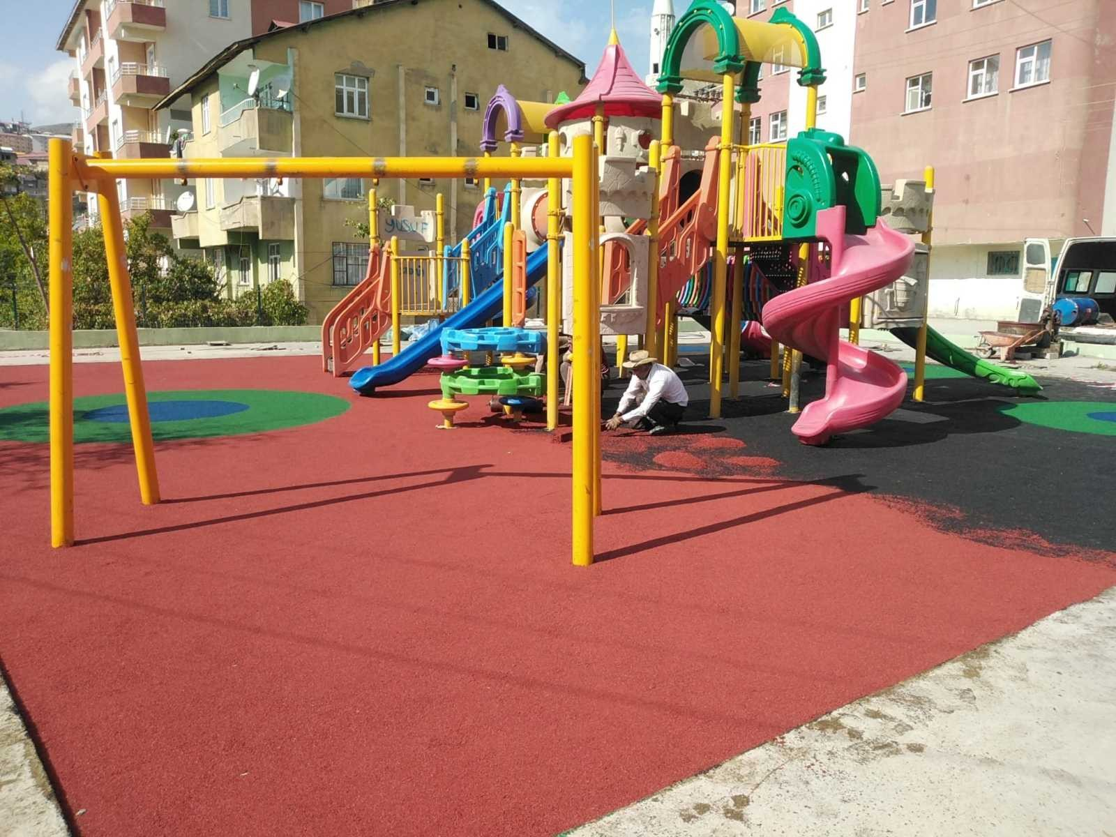 Hakkari'de çocuk oyun parkları onarıldı #hakkari