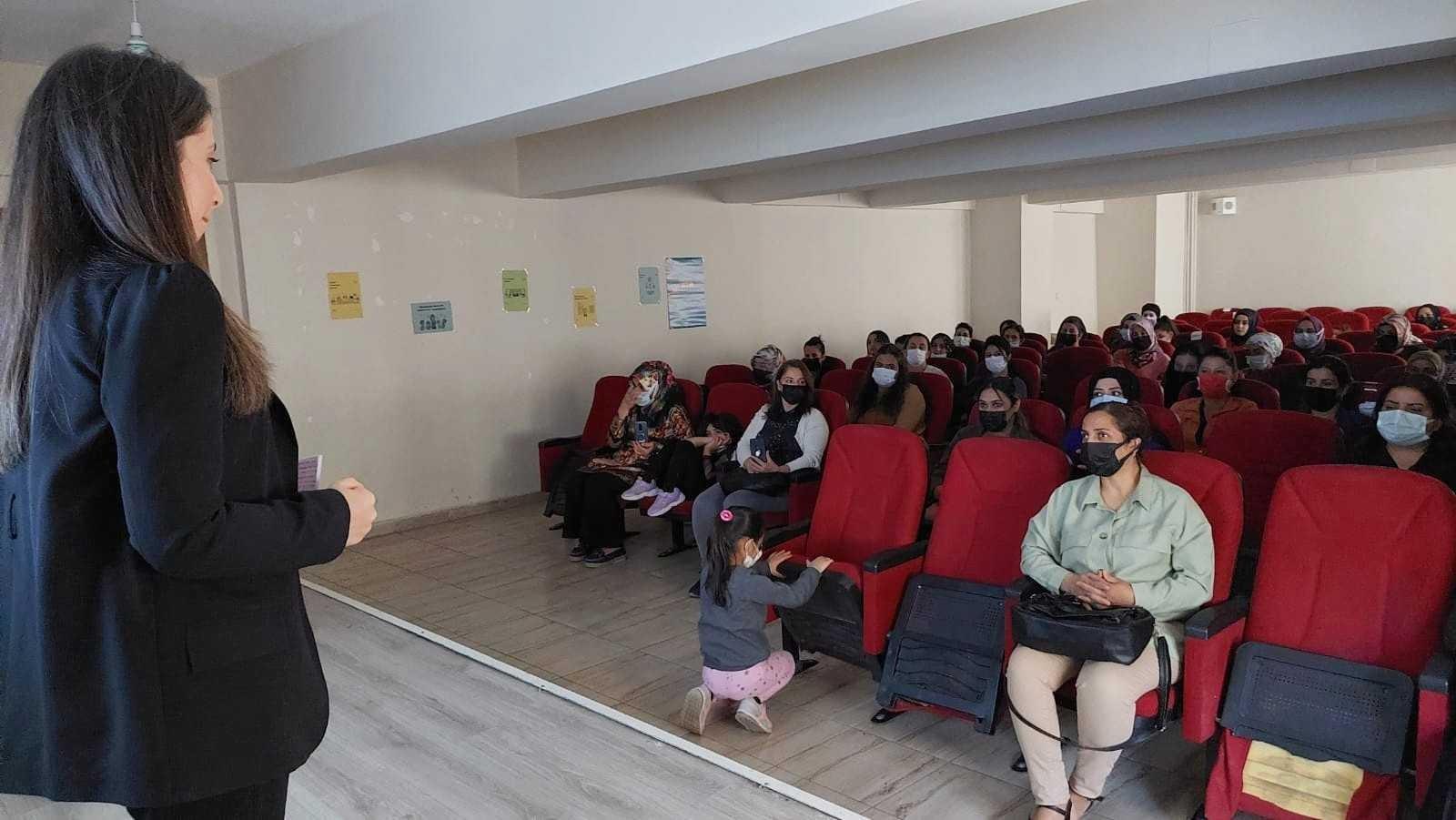 Hakkari'de mahremiyet eğitimi verildi #hakkari